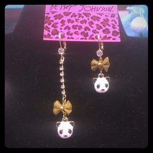 🐼Panda bear earrings! 🐼
